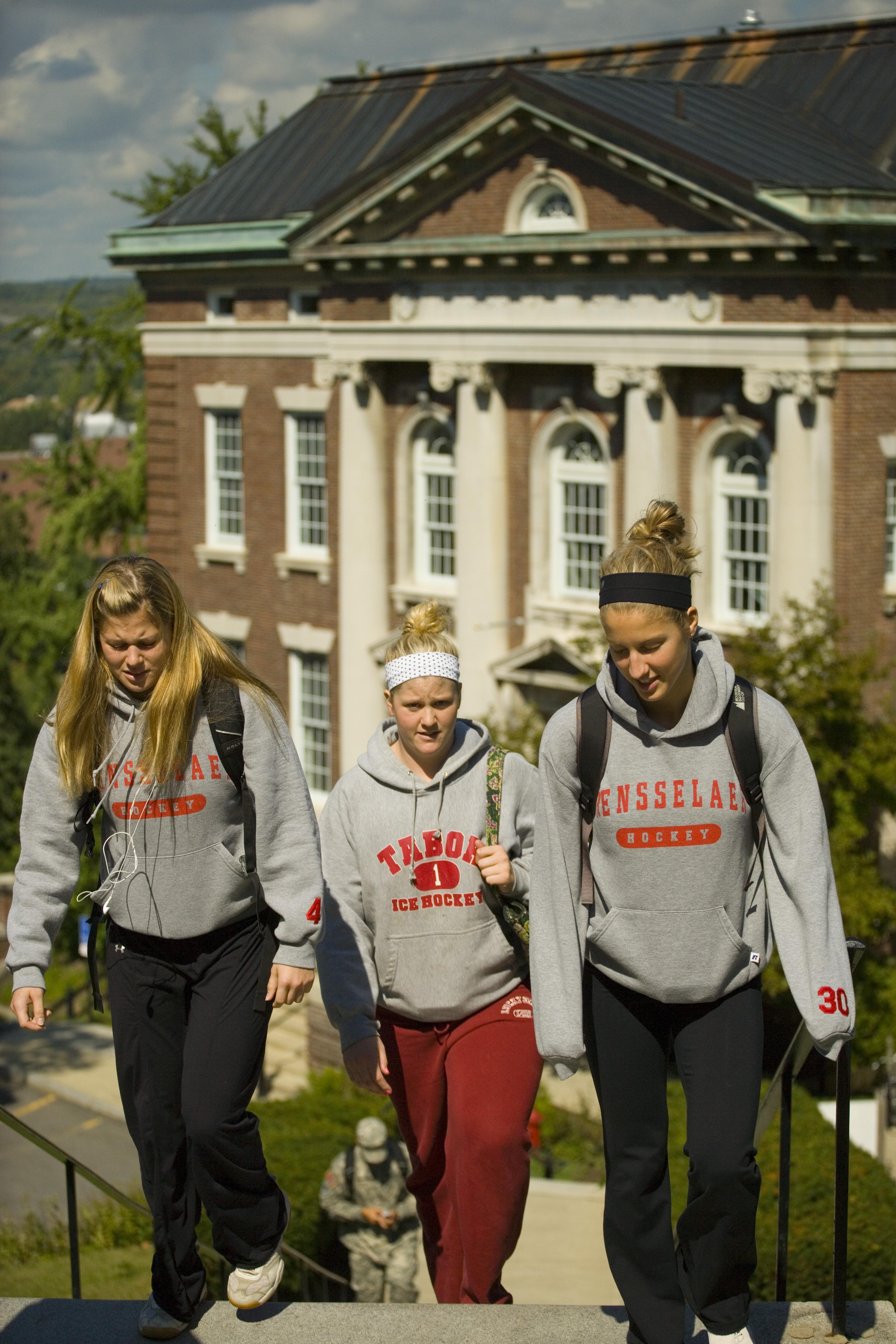 freshman applications surge past 16  000 at rensselaer