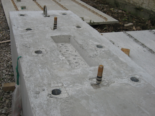 Cyclic lateral testing of precast concrete t walls in fast