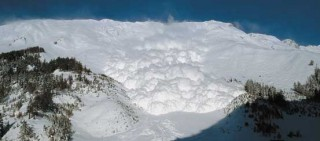 Artificially triggered avalanche on January, 30th 1999
