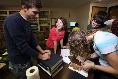 Newswise: Baylor University Launches International Project Giving Undergrad Students Rare Chance for Hands-On Research on Ancient Manuscripts