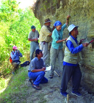 Newswise: Team Sheds Light on Ice Age Human Evolution in Asia