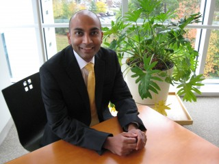 Samir Soneji, PhD, Norris Cotton Cancer Center, uncovers new way to track burden of cancer in US