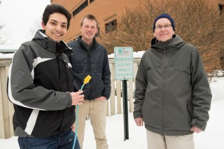 Sending data in small packets revolutionized communications, from the radio to the internet. Now three scientists from the University of Vermont -- Pooya...