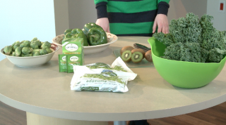 UH Case Medical Center clinical dietitan Lisa Cimperman recommends six green foods.