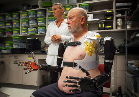 Newswise: Amputee Makes History with APL's Modular Prosthetic Limb