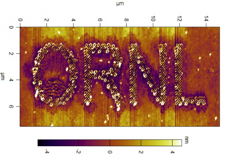 Newswise: ORNL Microscopy Pencils Patterns in Polymers at the Nanoscale