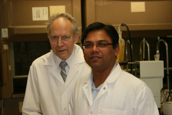 Jonathan Dimmock and Umashankar Das and their team have developed anti-cancer compounds that work by interacting with thiols, naturally occurring chemicals that perform several roles in cells. Their approach offers advantages over existing chemotherapy drugs.