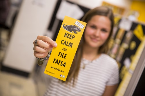 Newswise: New Rules, New Timeline Aim to Simplify the FAFSA Process