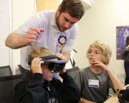 Newswise: Military Kids Use Virtual, Augmented Reality to STEMulate Learning