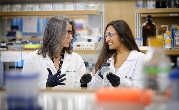 Wake Forest chemistry professor Rebecca Alexander works with senior Nisha Patel ('17) in her lab in Wake Downtown.