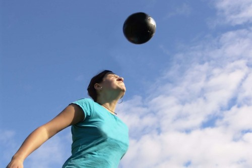 Newswise: Concussions May Affect Women Differently Than Men