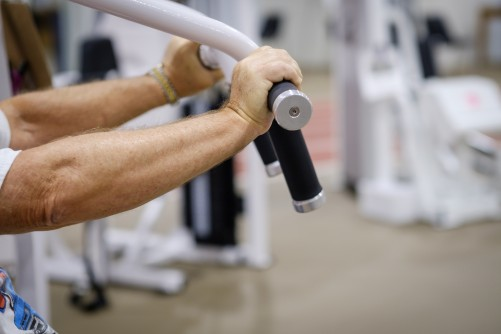 Newswise: Lose Fat, Preserve Muscle: Weight Training Beats Cardio for Older Adults