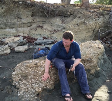 Newswise: Tracking Ancient Whale Migrations with Fossilized Barnacles