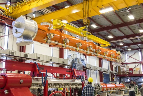Newswise: Fermilab Delivers First Cryomodule for Ultrapowerful X-Ray Laser at SLAC
