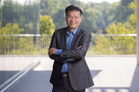 Professor Liping Zhao, Eveleigh-Fenton Chair of Applied Microbiology at Rutgers University–New Brunswick.