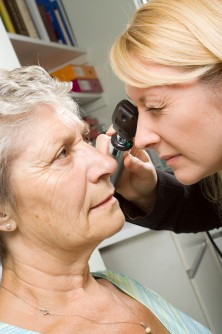 Newswise: Healthy Eating Key for Age-related Macular Degeneration Prevention