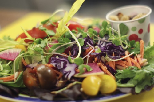 Newswise: People Slimming for Summer Should Carefully Consider Their Salads