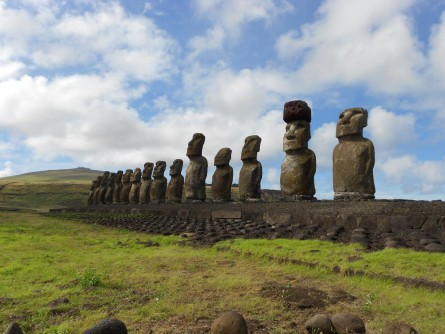 Newswise: Easter Islanders Used Rope, Ramps to Put Giant Hats on Famous Statues
