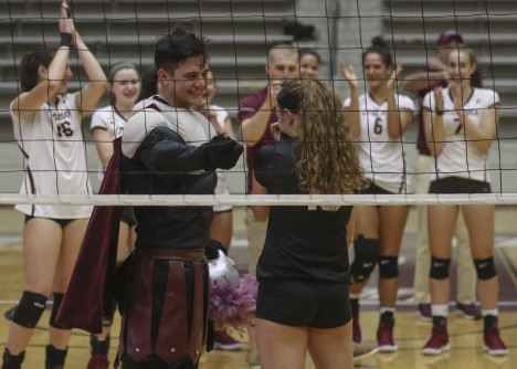 Newswise: College Volleyball Player Surprised by Unique Proposal From Boyfriend Disguised as Mascot