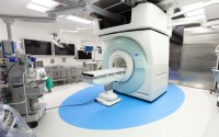 Newswise: High-Tech Surgical Suites Let Doctors Scan Patients without Either Leaving the Operating Room