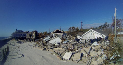 Newswise: Houses in Hurricane Strike Zones Are Built Back Bigger