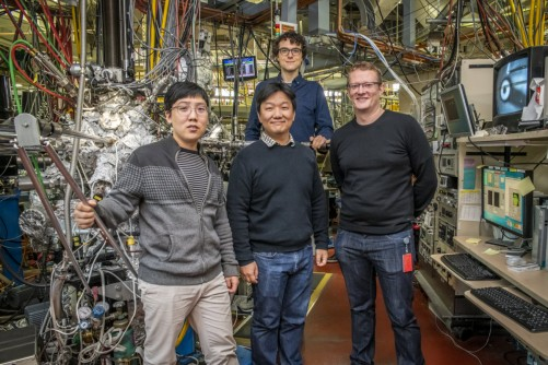 From left to right: Shujie Tang, a postdoctoral researcher at Berkeley Lab's Advanced Light Source (ALS); Sung-Kwan Mo, an ALS staff scientist; and James Collins and Mark Edmonds, researchers at Monash University, gather during an experiment at ALS Beamline 10.0.1 in November.